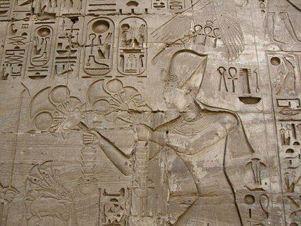440px-Karnak_Khonsou_080515
