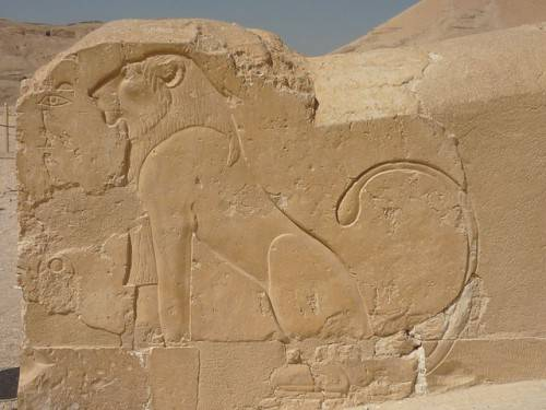 640px-Hatshepsut_temple22